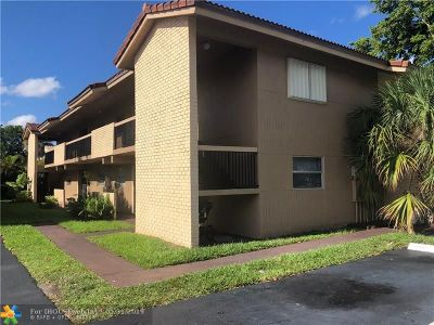 Coral Springs Condo/Townhouse For Sale: 3037 Coral Ridge Dr #3037