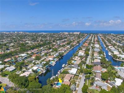 Lighthouse Point Single Family Home For Sale: 2151 NE 48th St