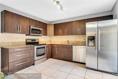 Boca Raton Condo/Townhouse For Sale: 22240 Boca Rancho Dr #C