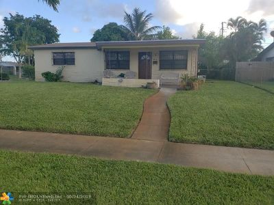 Broward County Single Family Home For Sale: 2812 SW 4th Ct