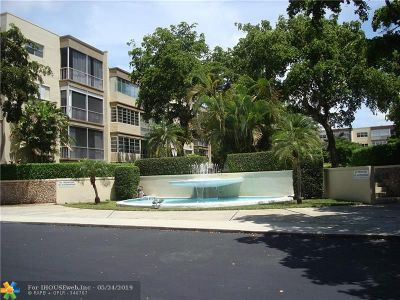 Plantation Condo/Townhouse For Sale: 6731 Cypress Rd #108