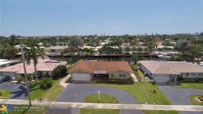 Pompano Beach Single Family Home For Sale: 230 SE 2nd Ave