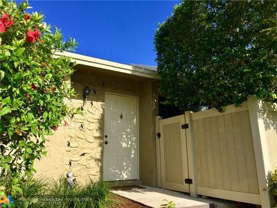 Boca Raton Condo/Townhouse For Sale: 10128 Boca Bend East #4-C