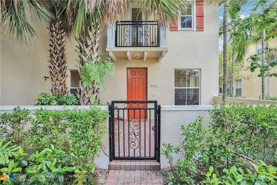 Coconut Creek Condo/Townhouse For Sale: 4530 Monarch Way #4530