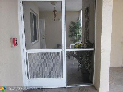 Tamarac Condo/Townhouse For Sale: 9537 Weldon Cir #416