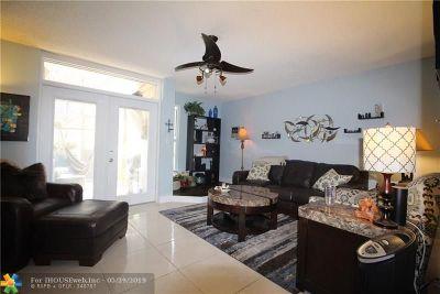 Wilton Manors Condo/Townhouse For Sale: 656 Kensington Pl #12B