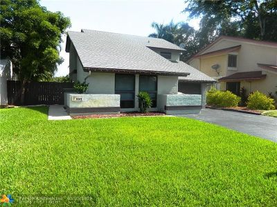 Davie Single Family Home For Sale: 8341 SW 39th Ct
