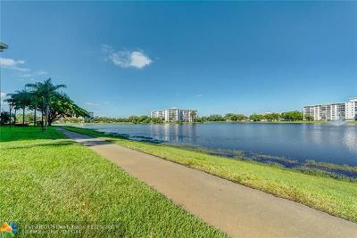 Pompano Beach Condo/Townhouse For Sale: 3095 N Course Dr #212