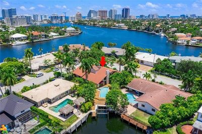 Fort Lauderdale Single Family Home For Sale: 2425 Sunrise Key Blvd
