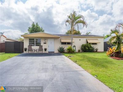 Hollywood Single Family Home For Sale: 931 N 70th Way