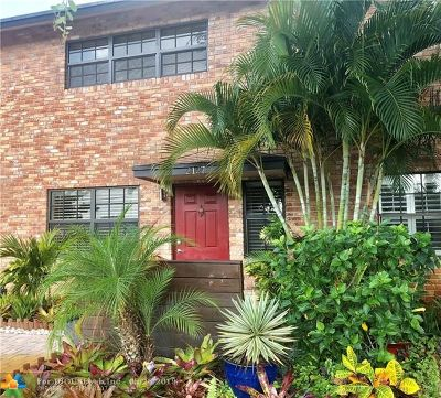 Wilton Manors Condo/Townhouse Backup Contract-Call LA: 2127 NE 11th Ave #2127