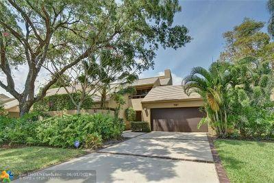 Boca Raton Condo/Townhouse For Sale: 781 Saint Albans Dr #781
