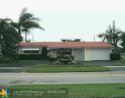 Deerfield Beach Single Family Home For Sale: 118 SE 10th Ct