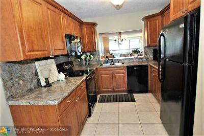 Tamarac Condo/Townhouse For Sale: 10532 E Clairmont Cir #209