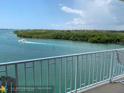Sunny Isles Beach Condo/Townhouse For Sale: 500 Bayview Dr #822