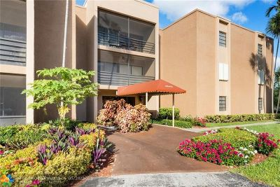 Broward County Condo/Townhouse For Sale: 4040 N Hills Dr #1
