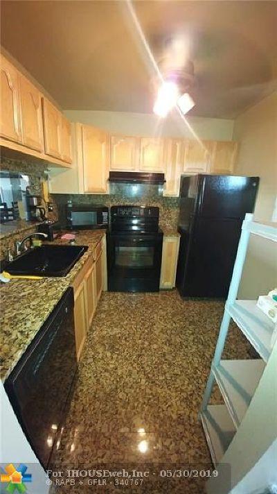 Lauderdale Lakes Condo/Townhouse For Sale: 5031 W Oakland Park Blvd #307C