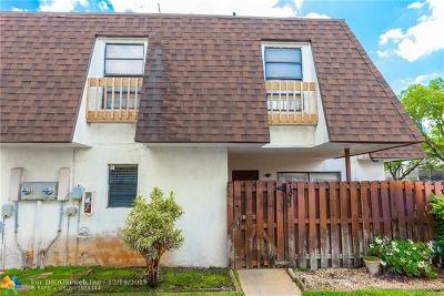 North Lauderdale Condo/Townhouse For Sale: 7833 Tam Oshanter Blvd #7833