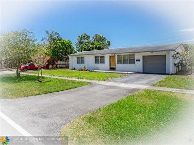 Pompano Beach Single Family Home For Sale: 700 NE 24th St
