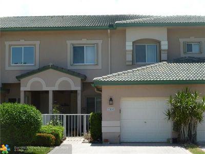 Tamarac Condo/Townhouse For Sale: 7806 E Exeter Blvd #102