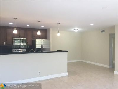 Hollywood Condo/Townhouse For Sale: 1958 Monroe St #310