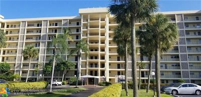 Pompano Beach Condo/Townhouse For Sale: 3150 N Palm Aire Dr #403
