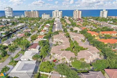 Lauderdale By The Sea Condo/Townhouse For Sale: 1900 Oceanwalk Ln #110