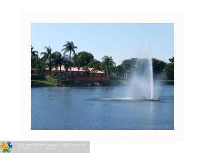 Plantation Condo/Townhouse For Sale: 10781 Cleary Blvd #205
