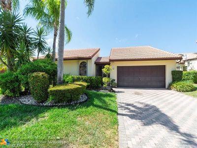 Tamarac Single Family Home For Sale: 7024 Golf Pointe Cir