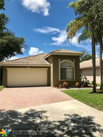 Coconut Creek Single Family Home For Sale: 5002 Heron Ct