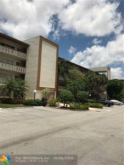 Coconut Creek Condo/Townhouse For Sale: 4302 Martinique Cir #M1