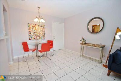 Oakland Park Condo/Townhouse For Sale: 3040 NE 16th Ave #414