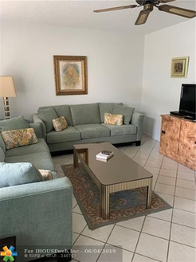 Deerfield Beach Condo/Townhouse For Sale: 110 Grantham A #110