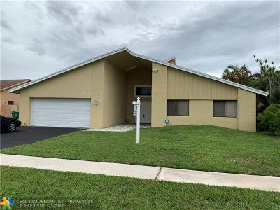 Lauderhill Single Family Home For Sale: 4975 NW 82nd Ter
