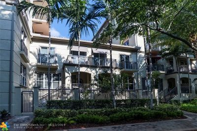 Wilton Manors Condo/Townhouse For Sale: 2617 NE 14th Ave #100