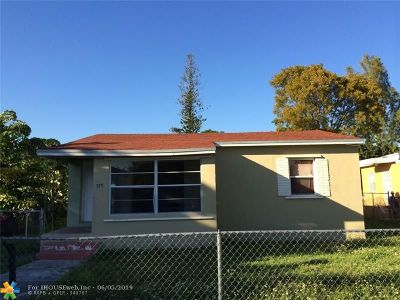 North Miami Single Family Home For Sale: 575 NW 132nd St