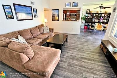 Oakland Park Condo/Townhouse For Sale: 2647 NW 33rd Street #2315