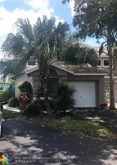 Deerfield Condo/Townhouse For Sale