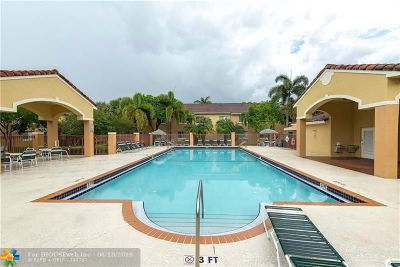 Pembroke Pines Condo/Townhouse For Sale: 630 NW 79th Ter #105