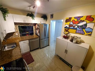 Tamarac Condo/Townhouse For Sale: 8341 Sands Point Blvd #B307