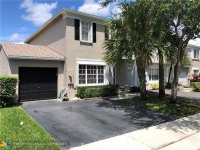 Tamarac Condo/Townhouse For Sale: 9771 Santa Rosa Dr #9771