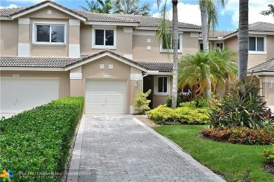 Pembroke Pines Condo/Townhouse For Sale: 1183 SW 158th Ave