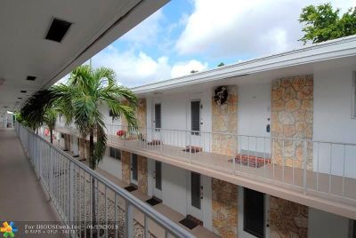 Pompano Beach Condo/Townhouse For Sale: 2525 W Golf #214