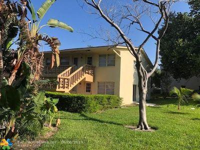 Pompano Beach Condo/Townhouse For Sale: 701 Pine Dr #111
