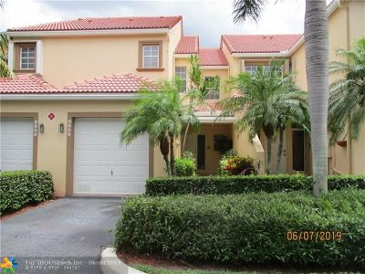 Coral Springs Condo/Townhouse For Sale: 9806 Royal Palm Blvd #9806