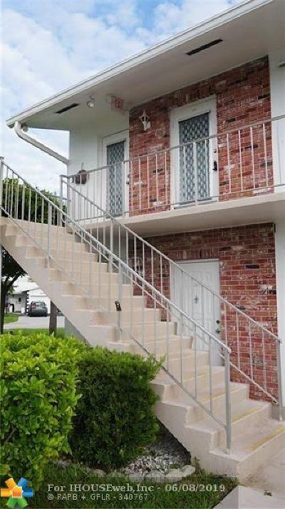 Pompano Beach Condo/Townhouse For Sale: 401 S Golf Blvd #266