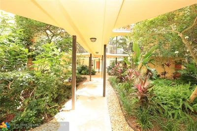 Aventura Condo/Townhouse For Sale: 3350 NE 192nd St #2P-B