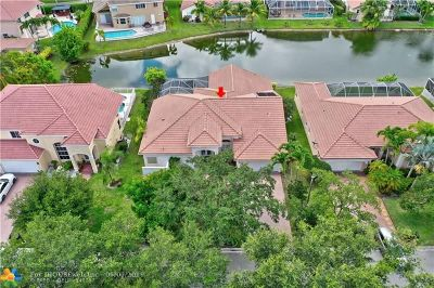 Coral Springs Single Family Home For Sale: 10222 NW 54th Pl