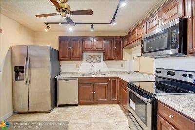 Tamarac Condo/Townhouse For Sale: 4960 E Sabal Palm Blvd #107