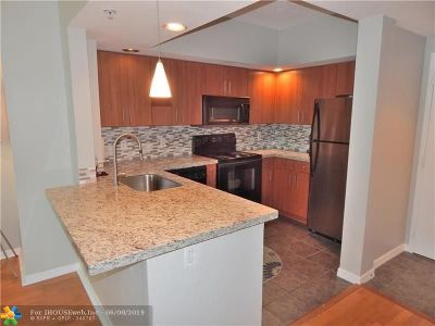 Fort Lauderdale Condo/Townhouse For Sale: 110 N Federal Hwy #708